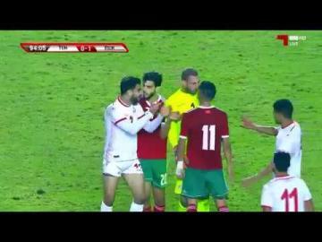 شاهد شجار عنيف بين لاعبي المنتخب التونسي والمغربي
