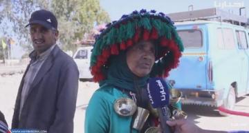 """أول امرأة """"كَرَّابة"""" فالمغرب تحكي لماذا اختارت هذه المهنة وكيف يتعامل معها المواطنون"""