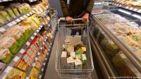 مفاهيم خاطئة وخرافات تحيط بالأغذية يجب التوقف عن تصديقها