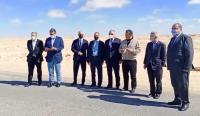 أين هو القصف الوهمي الجزائري...زعماء الأحزاب المغربية يصلون إلى الكركرات ويتجولون مشيا على الأقدام لمسافة طويلة