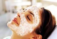 قناع ومقشر طبيعيان لا غمى عنهما للحفاظ على بشرتك في فصل الشتاء