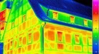التصوير الحراري لرصد النوافذ والأبواب المعيبة في المنازل