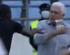 شاهد: الحكم المساعد يعتدي على مدرب منتخب السودان في مباراة غانا